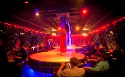 Фото стрептизёрш в клубе 13 фотография